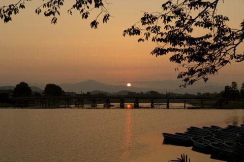 朝日と渡月橋