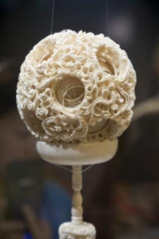故宮博物院 象牙鏤彫套球