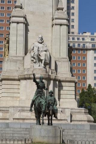 スペイン広場 ドンキホーテの像