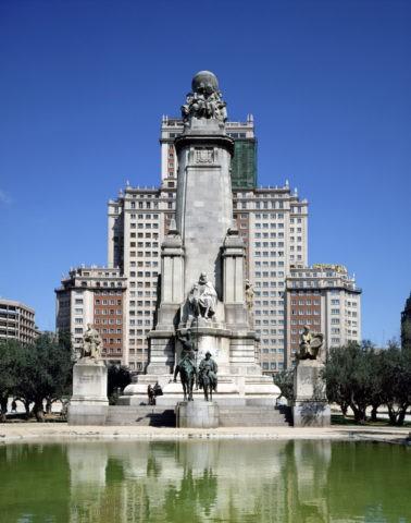 スペイン広場 セルバンテス記念碑 マドリ−ド スペイン
