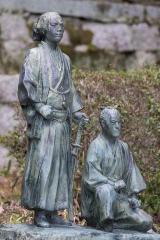 坂本龍馬 中岡慎太郎の銅像