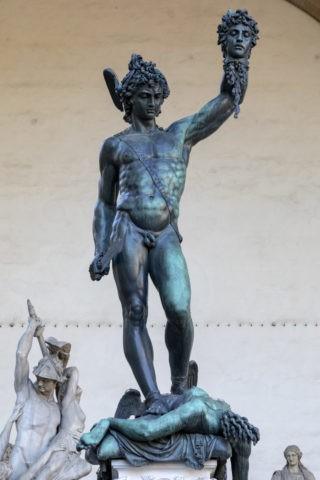 ペルセウス像