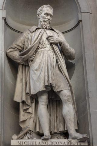 ミケランジェロ像
