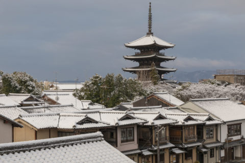 雪の八坂ノ塔