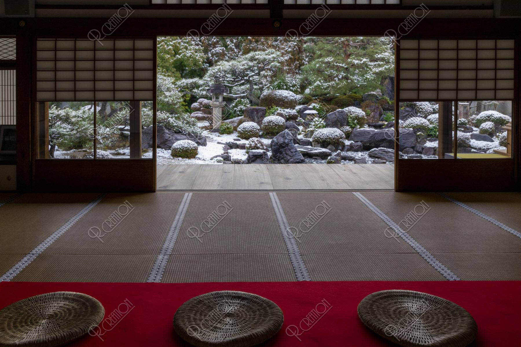雪の妙満寺 庭園