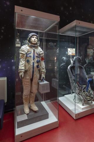 宇宙飛行士記念博物館 内部 宇宙服