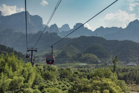 天門山 世界最長のロープウェイ
