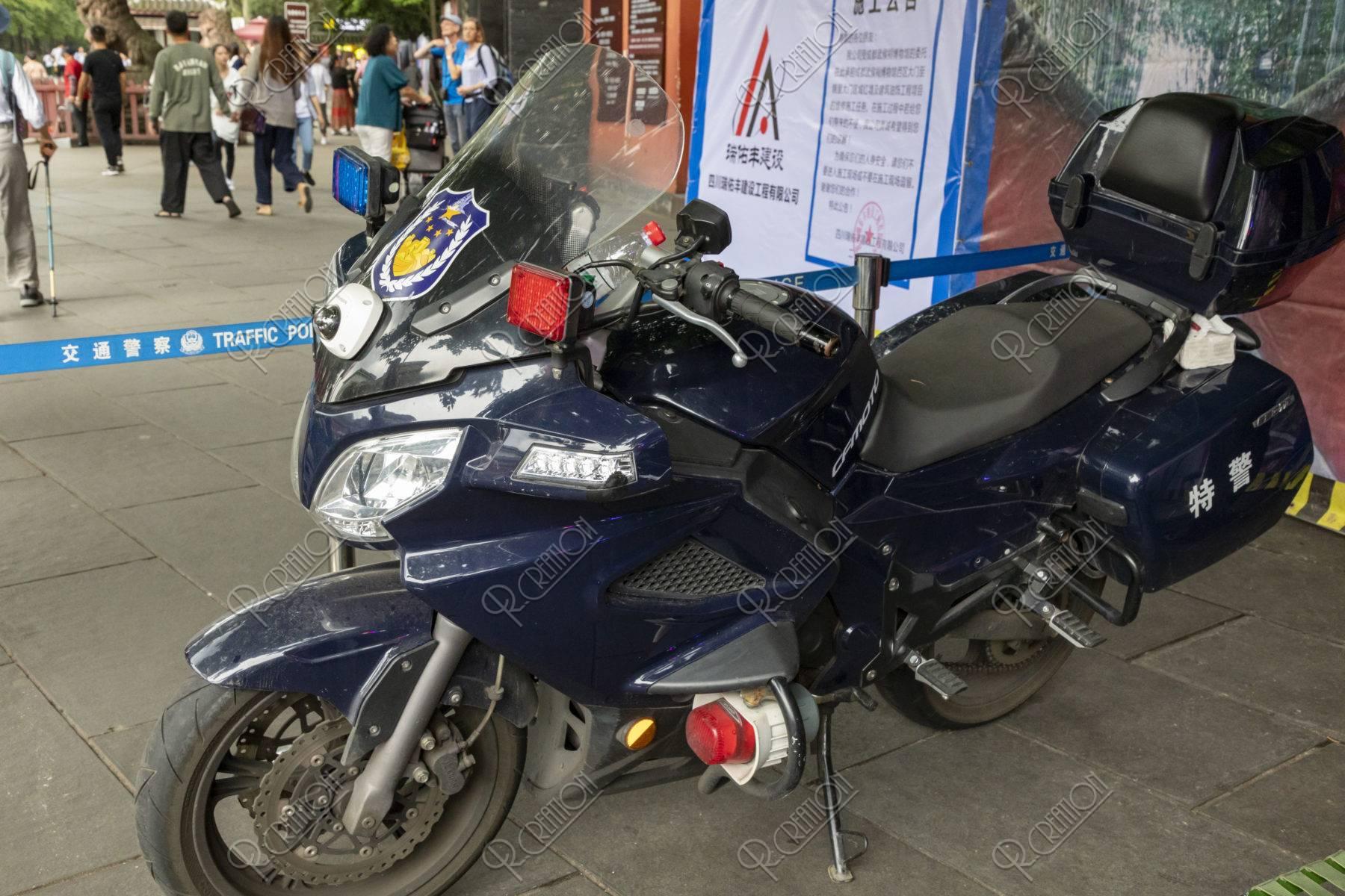 警察用バイク
