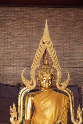 ワットヤイチャイモンコン 仏像