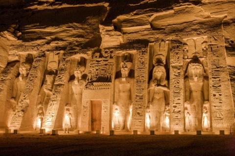 アブシンベル小神殿 夜景 世界遺産