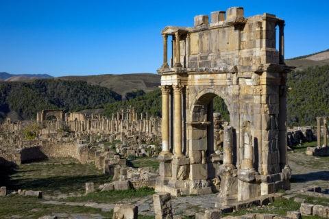 ジェミラ遺跡 カラカラ帝の凱旋門