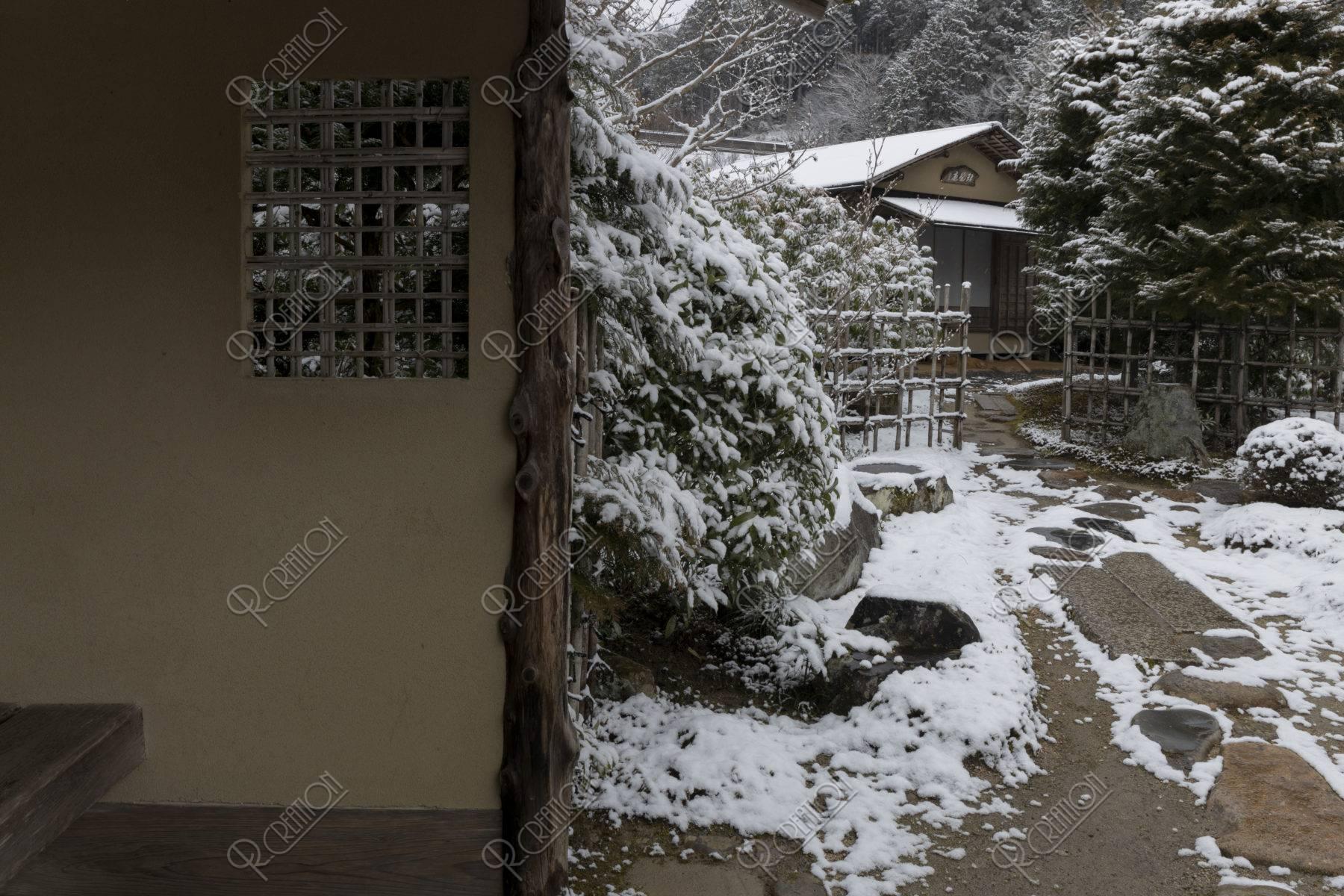 雪の実光院庭園