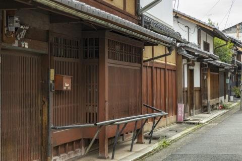 西陣紋屋町の家並