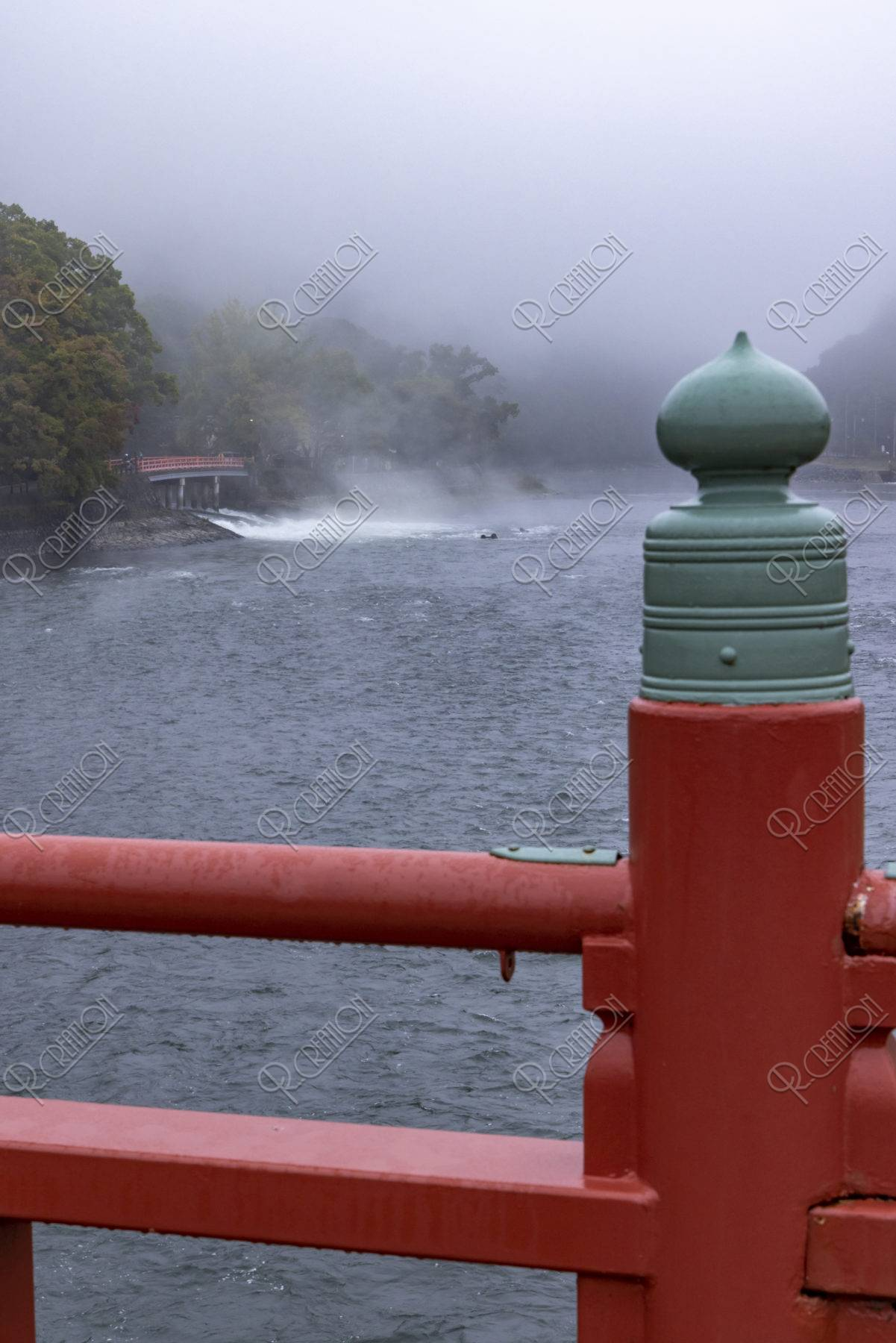 朝霧橋から宇治川の朝霧