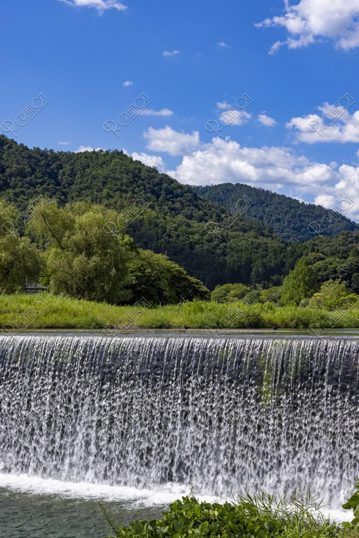 真夏の柊野堰堤